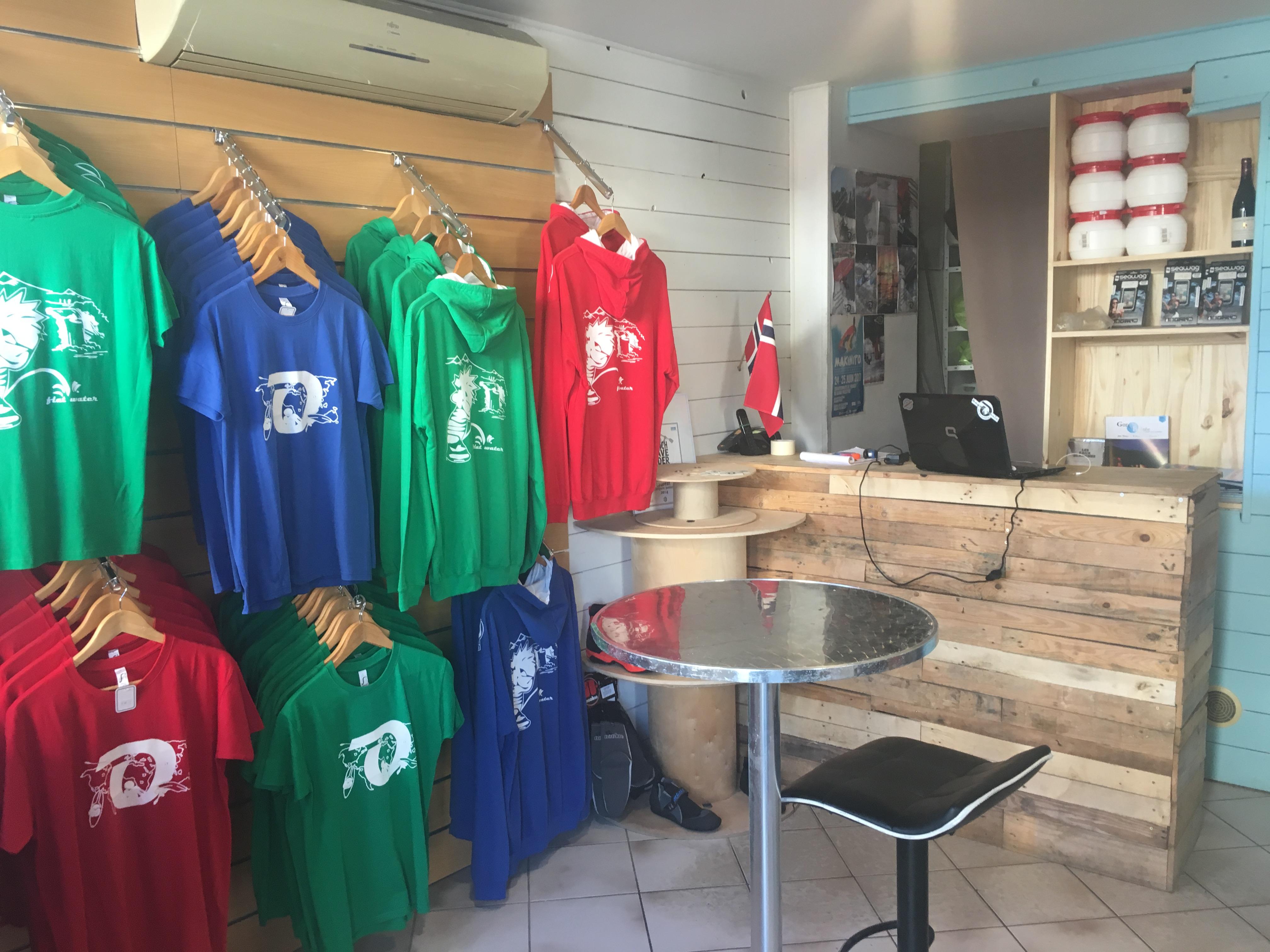 Le coté des t-shirts personnalisé, et street wear